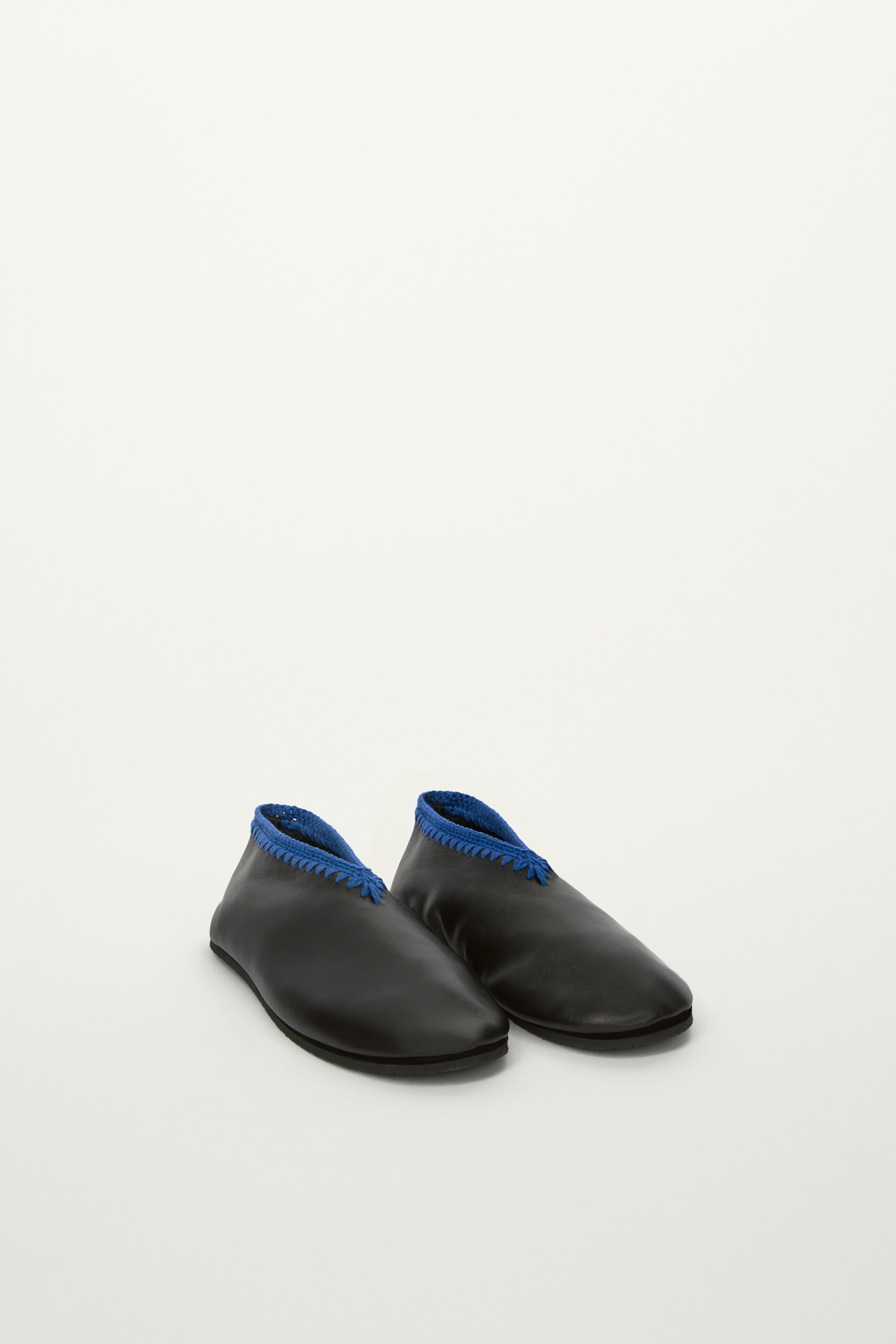Slippers, black, large