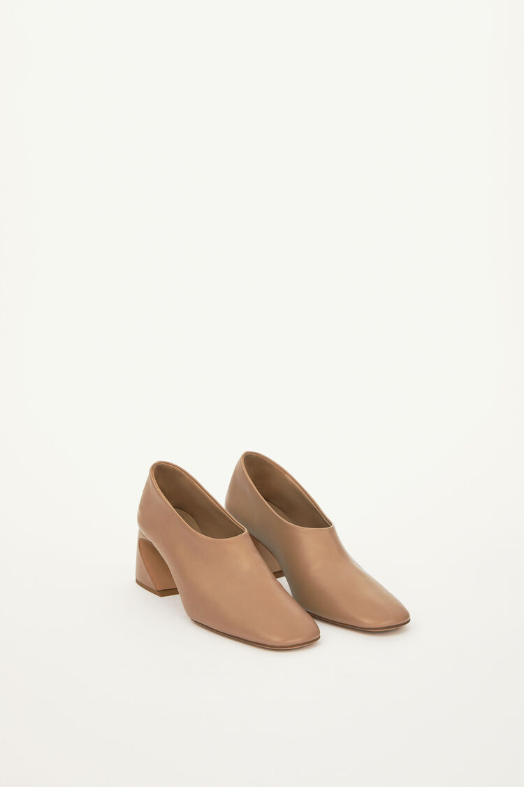 Pumps, pastel brown, large