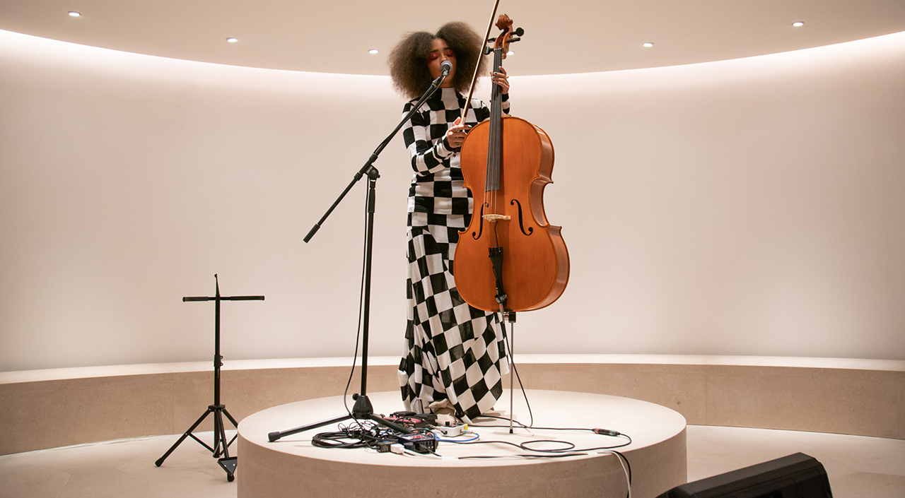 KELSEY LU'S LIVE PERFORMANCE AT THE OMOTESANDO STORE OPENING